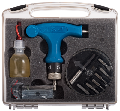 Momentsleutel + Werkkoffer incl assenreparatieset en olie