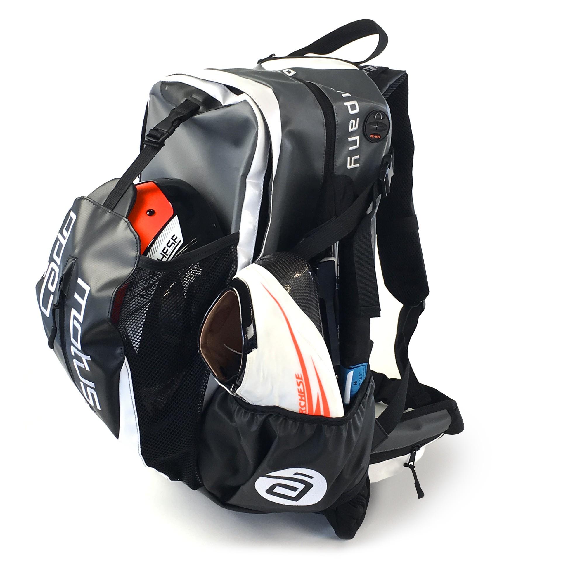 de04dbc9e00 CadoMotus Skate Backpack Waterproof Zwart/Wit bestellen bij Skate ...